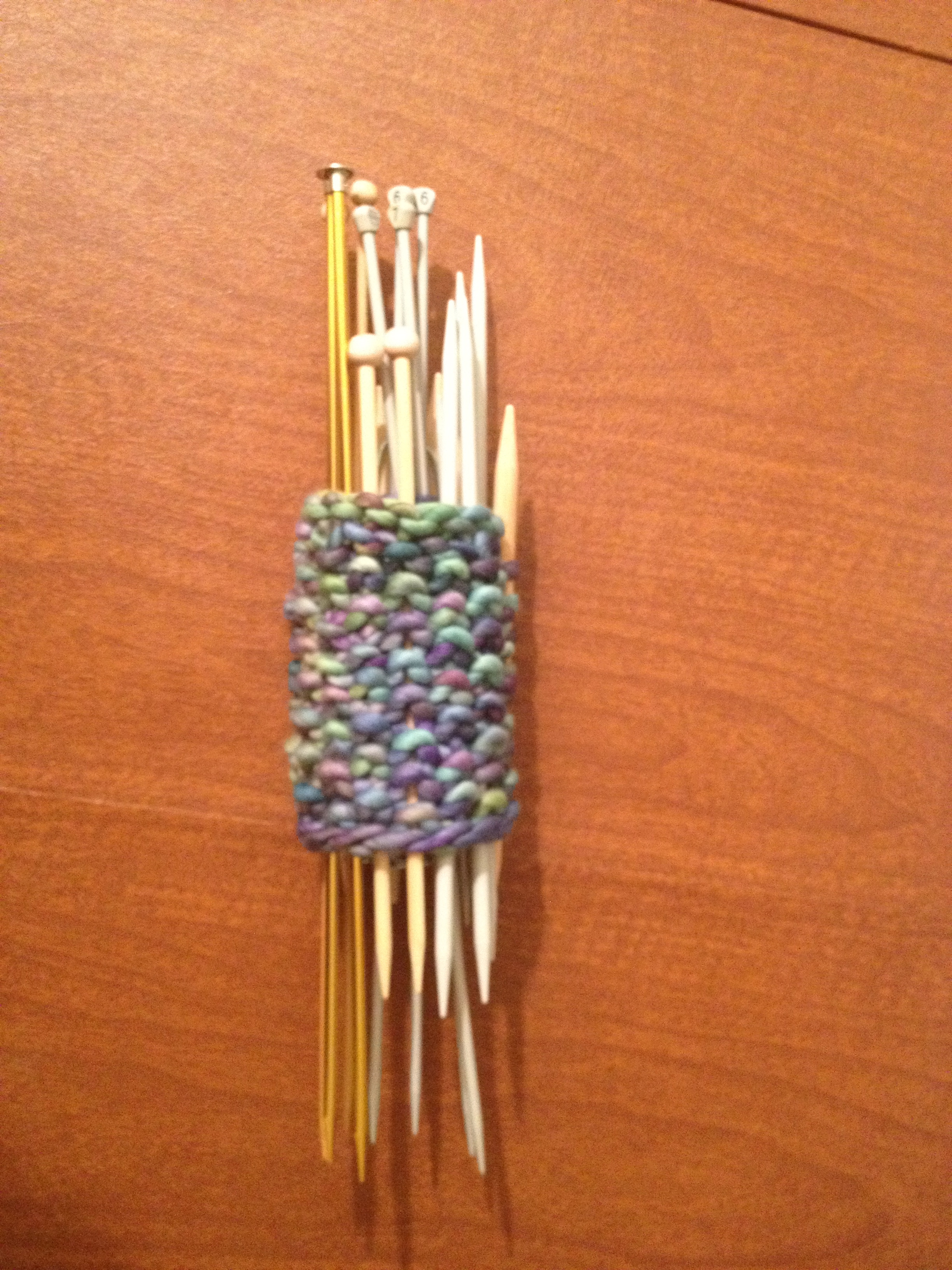 Knitting Pattern Needle Holder : Knitting Needle Holder wordaroundtown.com